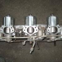 Jaguar XKE 4.2 SU Tir-Carb set up with plenum and linkage